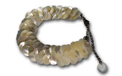 Tahitian Style White Mother of Pearl Bracelet